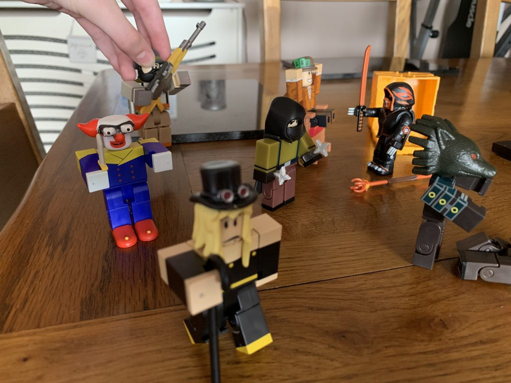 *Review* Roblox Series 5 toys