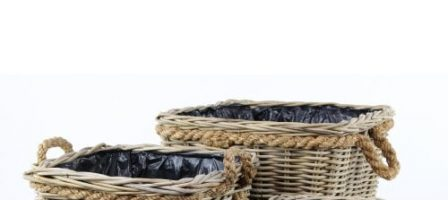 *Prize draw* 2 grey & buff rattan square wicker planters