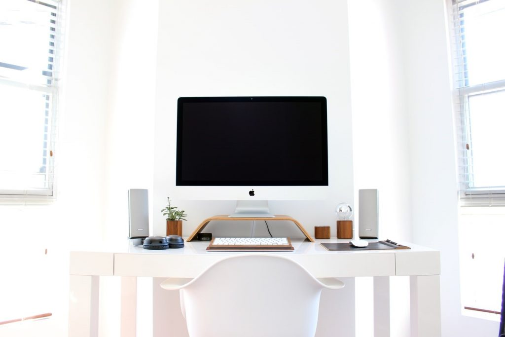 10 Ways to Stay Focused when You're Self Employed and Work from Home